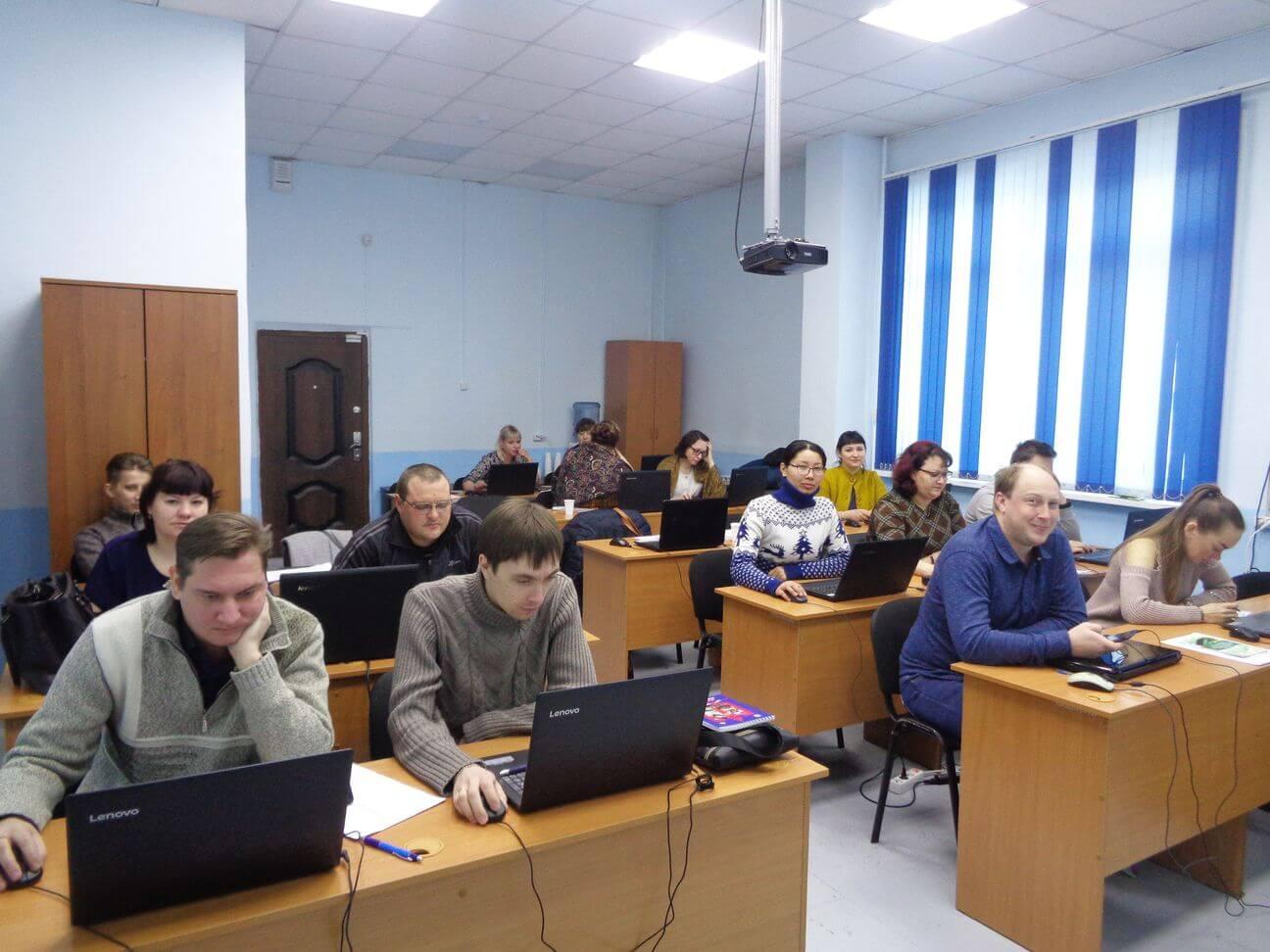 Обучать компьютерной грамотности квалифицированно